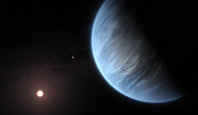Illustration of exoplanet with water in atmosphere