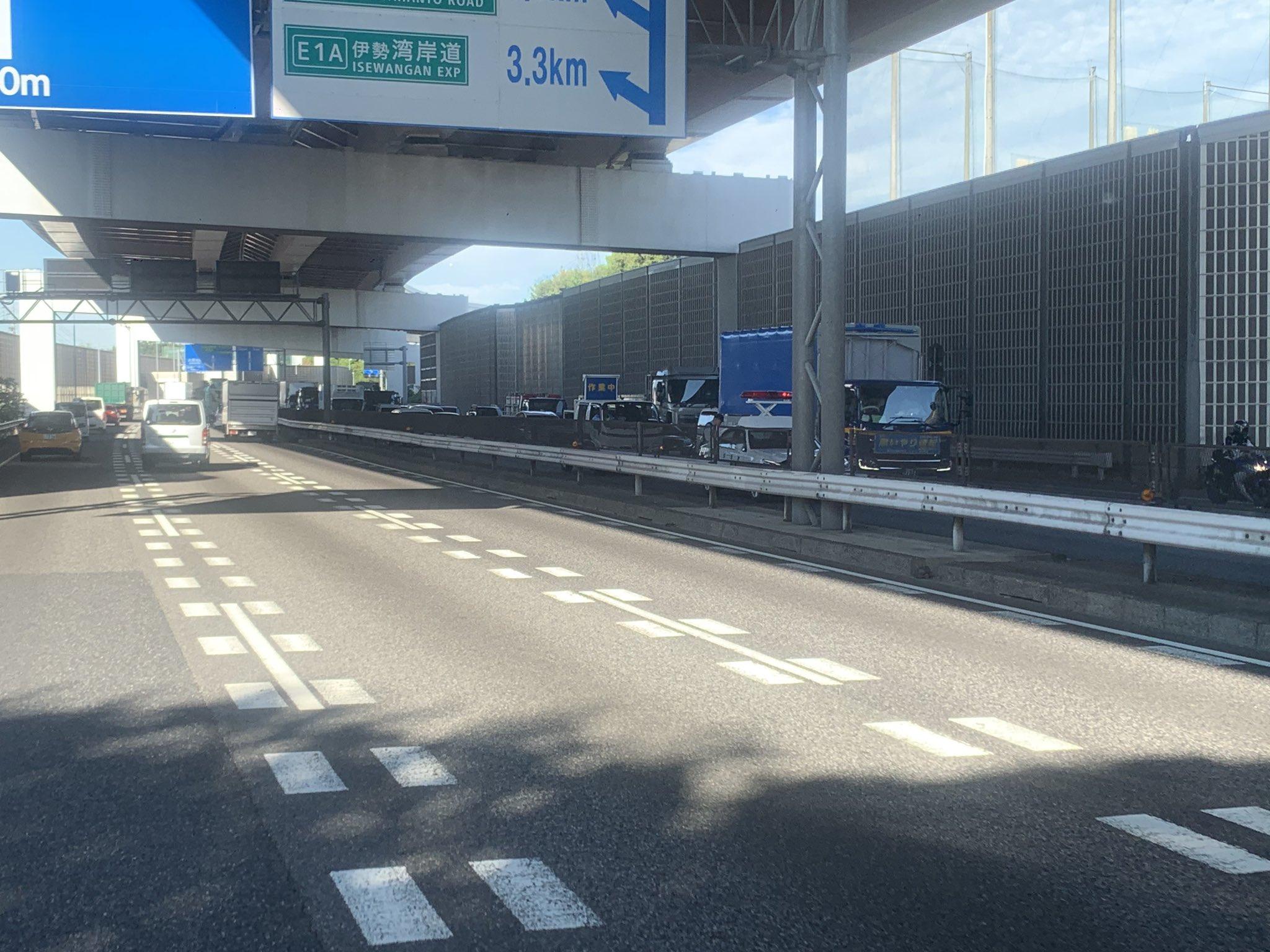 画像,23号 北崎インター付近通行止めになっとる。 https://t.co/v86YrAaUf2。