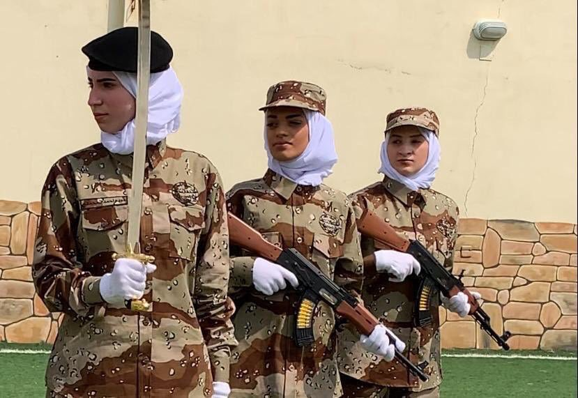 رد: صور من بروفات العروض النسائية العسكرية للمرة الأولى في السعودية