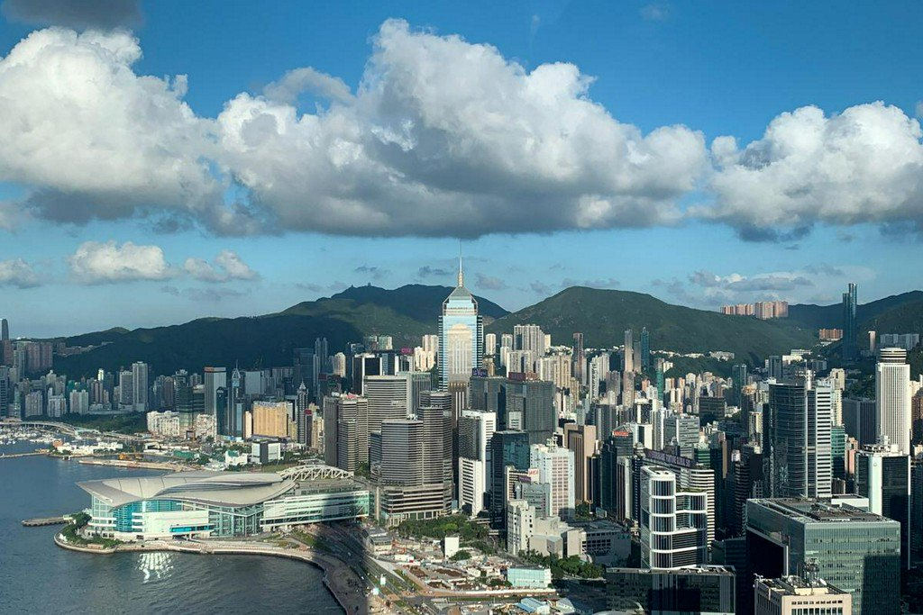 Hong Kong protesters pause to mark Sept. 11 https://www.reuters.com/article/us-hongkong-protests-idUSKCN1VW0DT?utm_campaign=trueAnthem%3A+Trending+Content&utm_content=5d794eeb4b188d00011c267e&utm_medium=trueAnthem&utm_source=twitter…