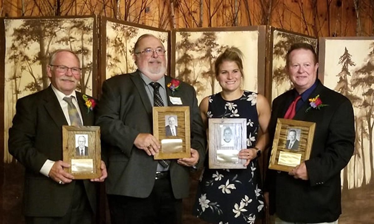 Making an impact in as many areas as possible has always been paramount for Al Deming, who was recently inducted into the Wisconsin Hockey Hall of Fame. Congratulations to Al & the entire Class of 2019! → bit.ly/2khAEly