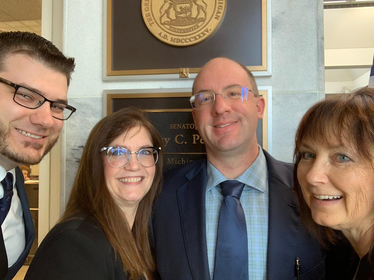 Thank you to our Michigan Delegates who spent the day talking to our Michigan congressman and women during the ASHP Legislative Day. #4ourpatients <br>http://pic.twitter.com/yUgXz8typ6