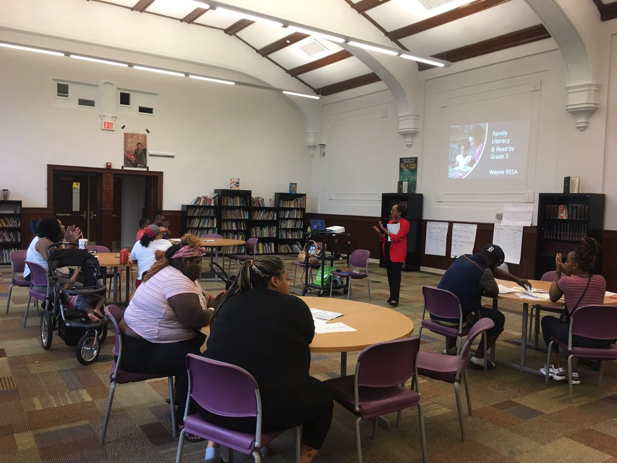 Sharing with families of Hope Academy at the R.O.A.R. #FamilyEngagement meetings around the #ReadByGrade3 law, but more importantly, #FamilyLiteracy Habits and the importance of #CommunityConnectors to reach #EveryChildEveryClassroomEveryDay #MichiganLiteracy #WayneLiteracy<br>http://pic.twitter.com/BIWtg602lL