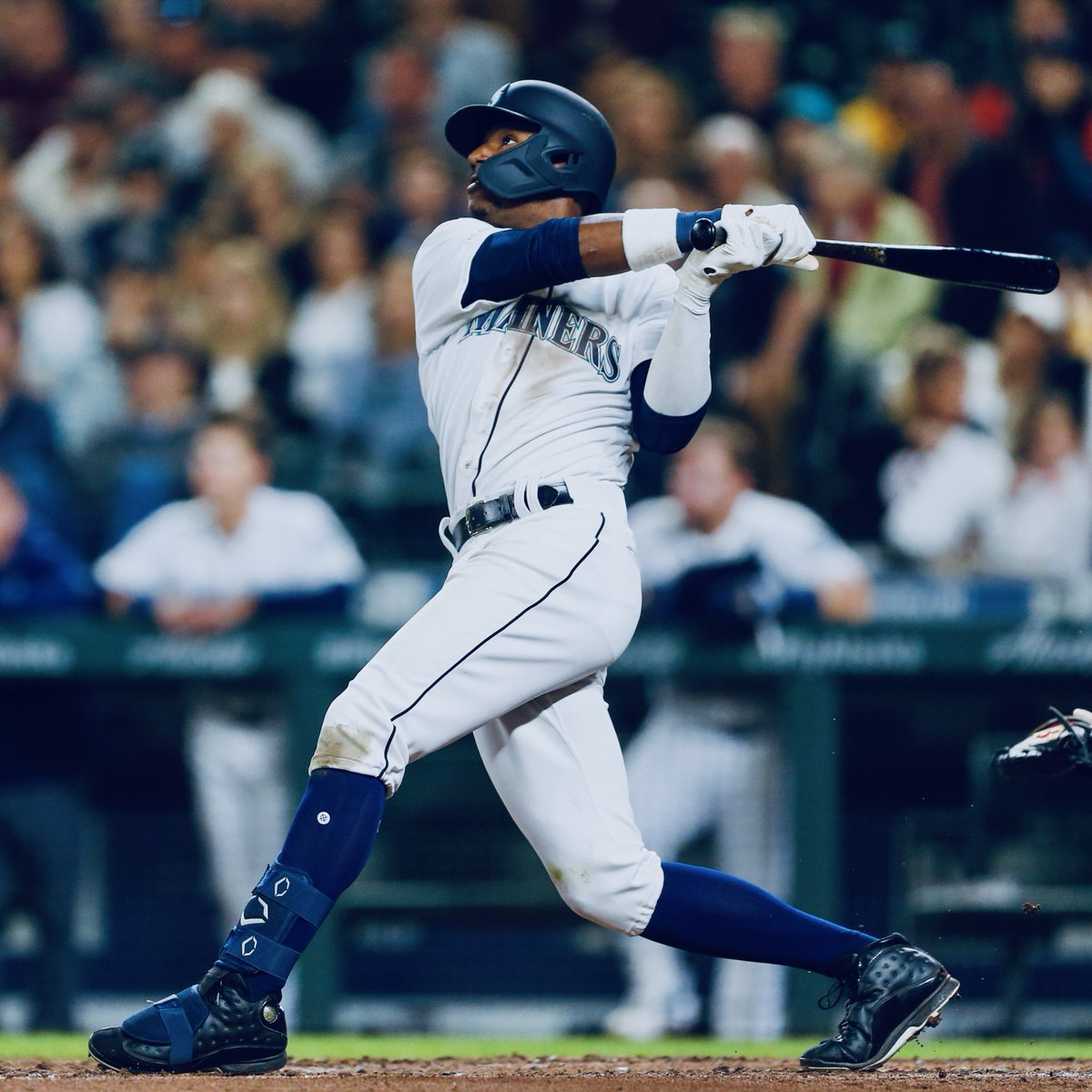 Kyle Lewis' rise was inevitable  🔺 Junior season: .395 BA, 20 HRs, 72 RBI 🔺 2016 Baseball America College Player of the Year 🔺 Drafted No. 11 overall by Mariners 🔺 Tore ACL, medial meniscus and lateral meniscus 🔺 Called up three years later 🔺 HR in first MLB game