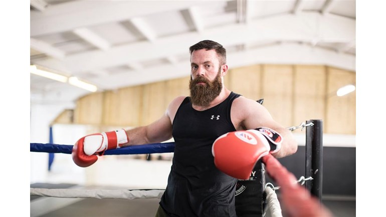 Below-knee amputee Mike Lewis fights for @supportourparas on Saturday at IBIS Stevenage. If you cant be there, support him and us here justgiving.com/fundraising/mi…