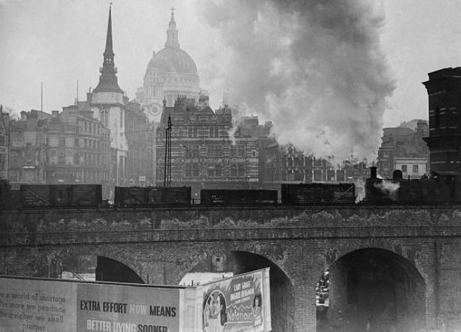 EENlQXTXsAU2s3e - Ludgate: Requiem für eine Stadtbrücke