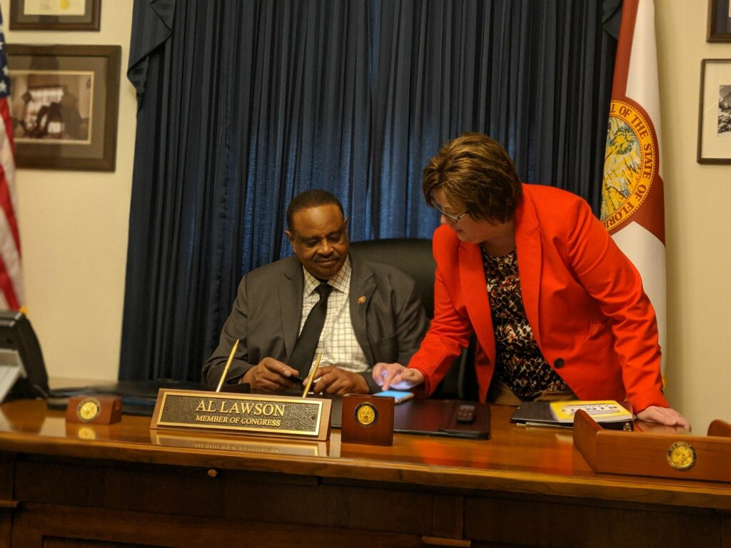 Educating Representative Lawson on PBMs and Drug Pricing. Kathy Baldwin a natural educator! #4OurPatients <br>http://pic.twitter.com/1Ob2DUpAbV