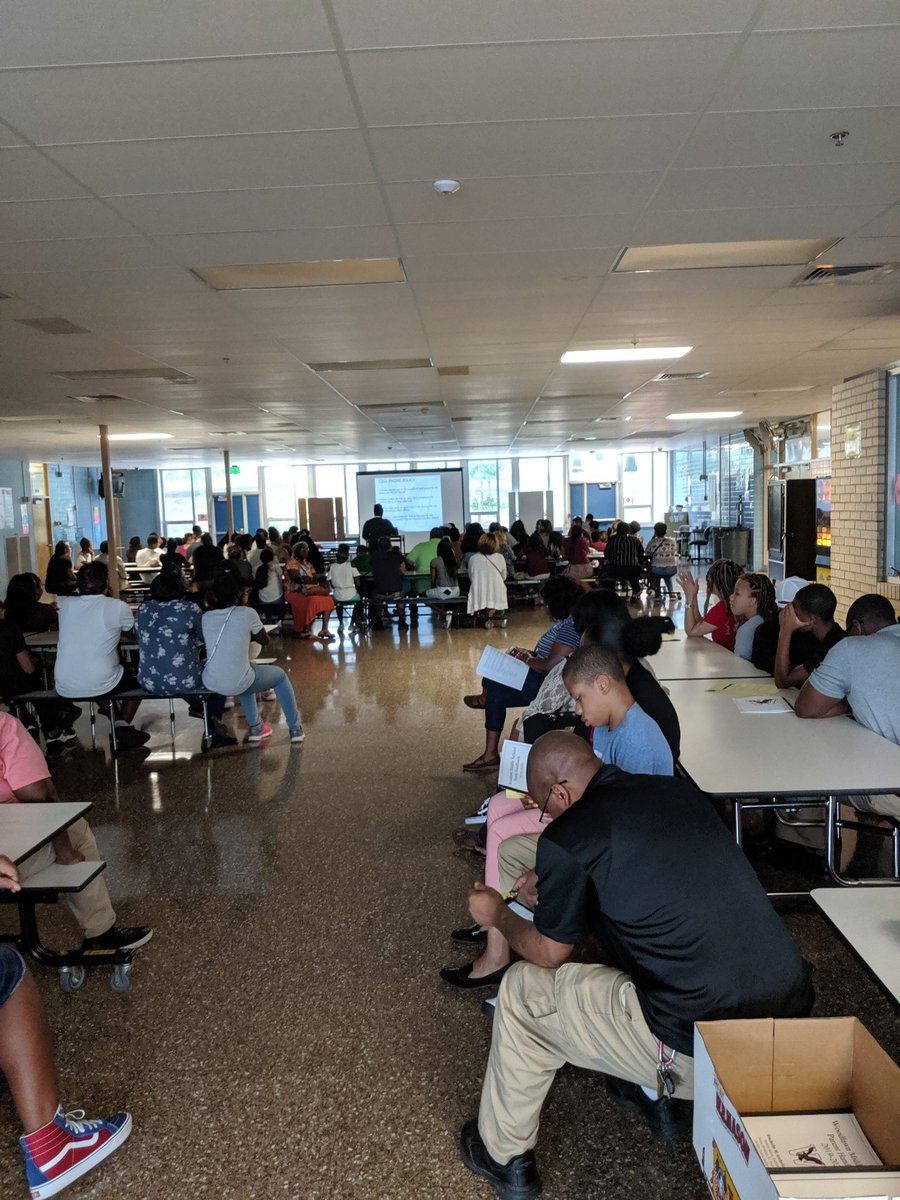 Packed house for Back to School night @WoodlawnMS