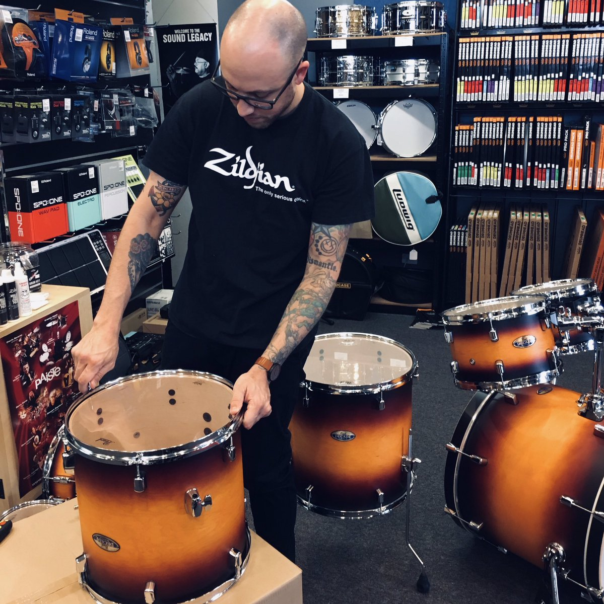 In progress........  Dan setting up the Pearl Decade Maple 7 piece Drum Kit right now!     Come on in and check it out for yourself.   Pearl Drums Australia Dynamic Music  #pearldrums #musicexpress #drummerslife #musicshop #musicstore #mtgravatt #dreamitliveit #mtgravattmusicshop<br>http://pic.twitter.com/OBW2ggXPav
