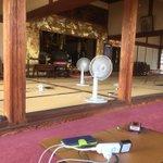 千葉県鴨川市横渚579 神蔵寺の本堂を開放していますので、携帯電話の充電、お手洗いどうぞご自由に使って下さい!