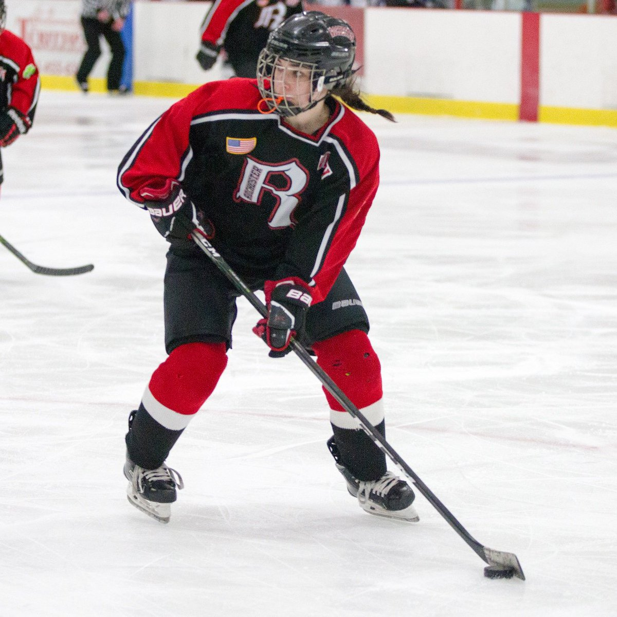 Should My Daughter Play Peewee or 12U? @Slykie shares insight on key points for families & associations to consider: ow.ly/S4Cg50w5Tzj