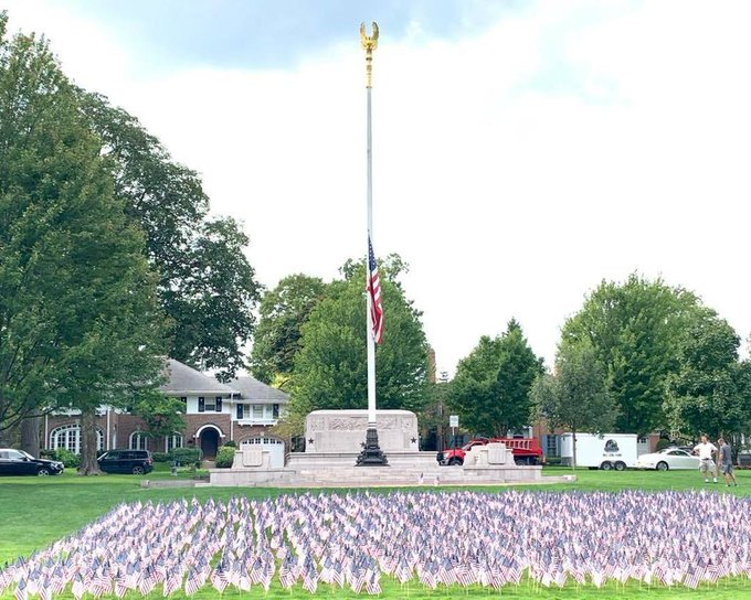 @VillageGreen 9/11 observance at the #WarMemorial @Winnetka,IL, this is so tasteful and the gold eagle must be 4' high up top. https://t.co/Fypa816tOG https://t.co/EVNo0crfN8