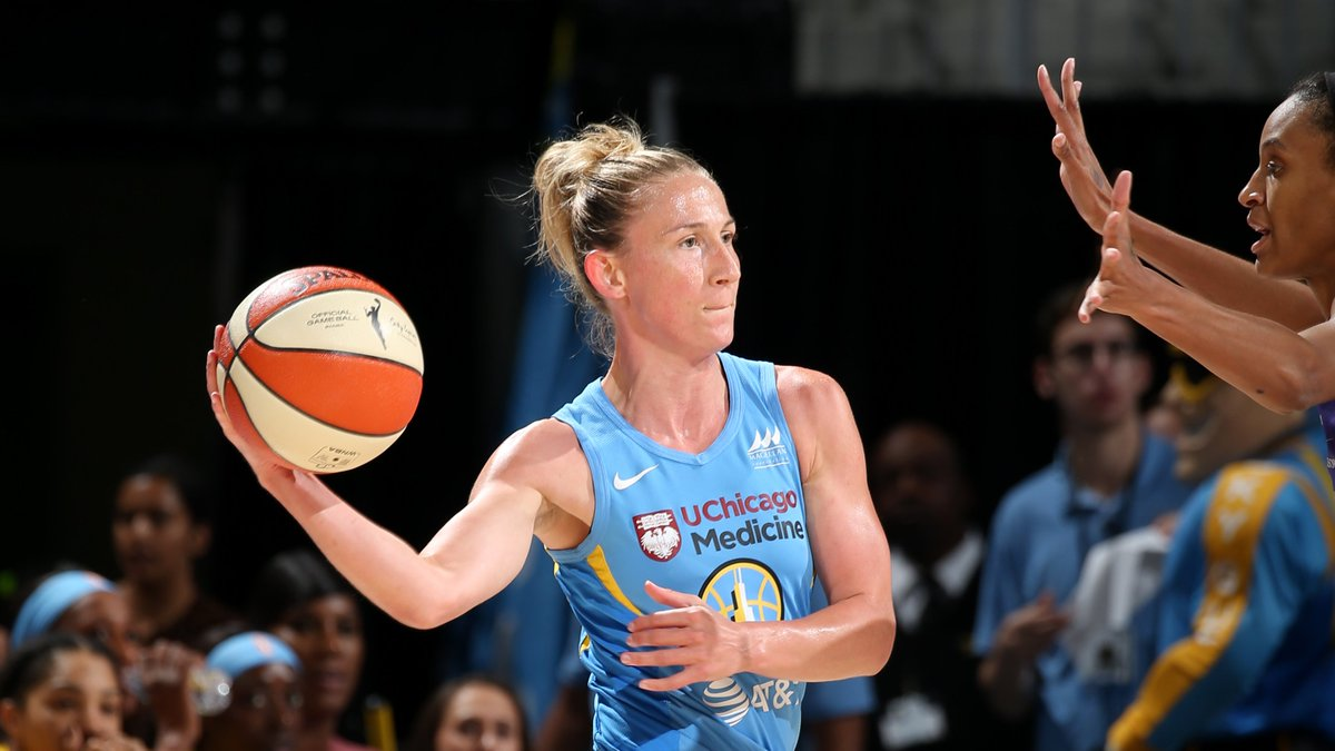 .@Sloot22 has now dished out 8 first-half dimes 4 times in her #WNBAPlayoffs career!   📺: ESPN2