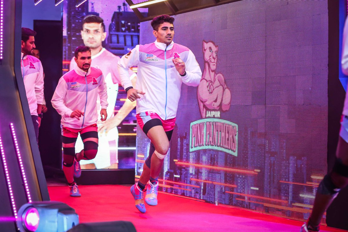📸 Some of the best images from last night's fixture against the @HaryanaSteelers  #PantherSquad #Panthers #JaipurPinkPanthers #JPP #Jaipur #Kabaddi #ProKabaddi #LetsKabaddi #KhelKabaddi #PKL #LePanga #StarSports  (1/2)