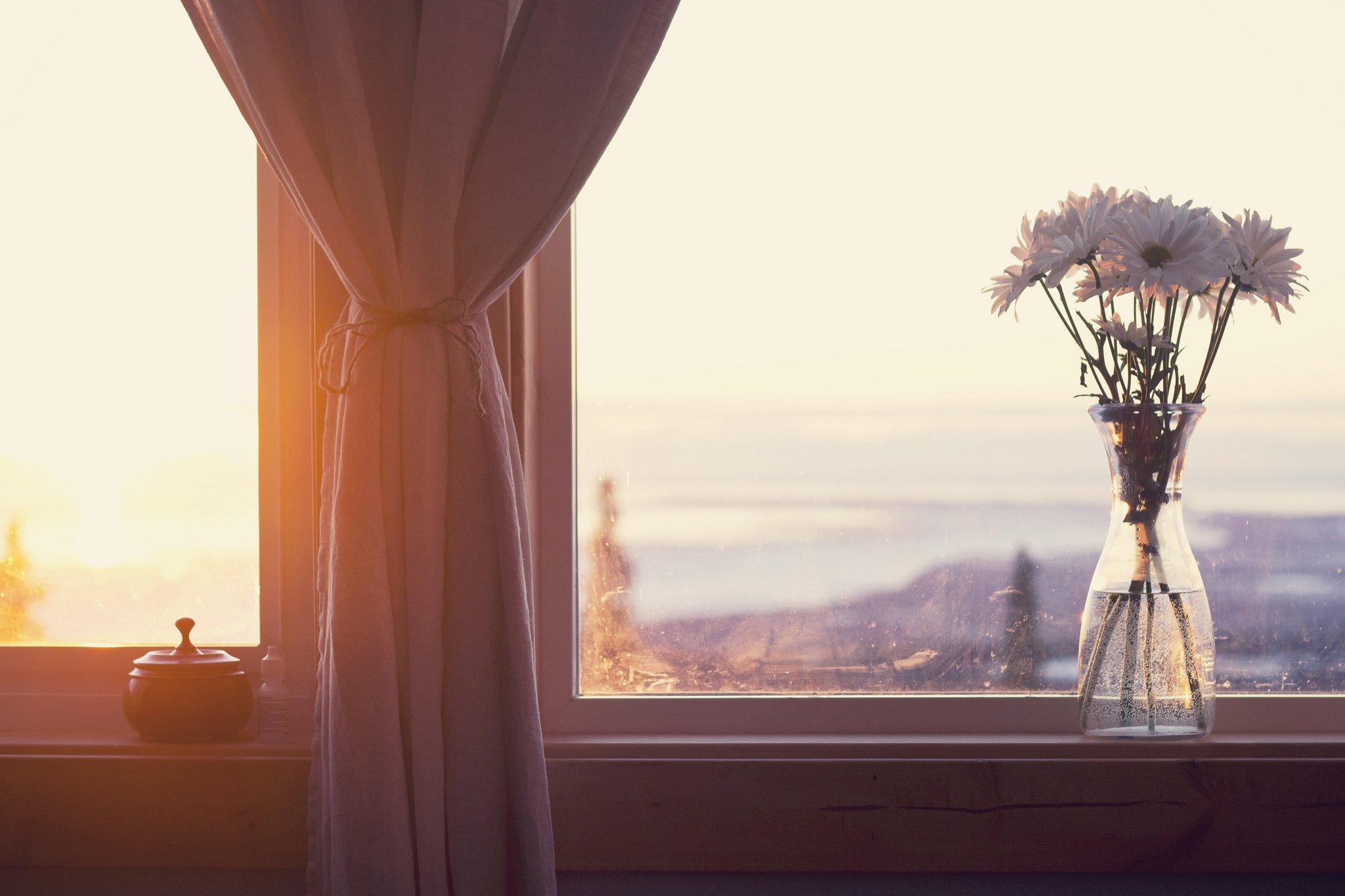 Как украсить окно в кухне шторами фото коммунальные платежи