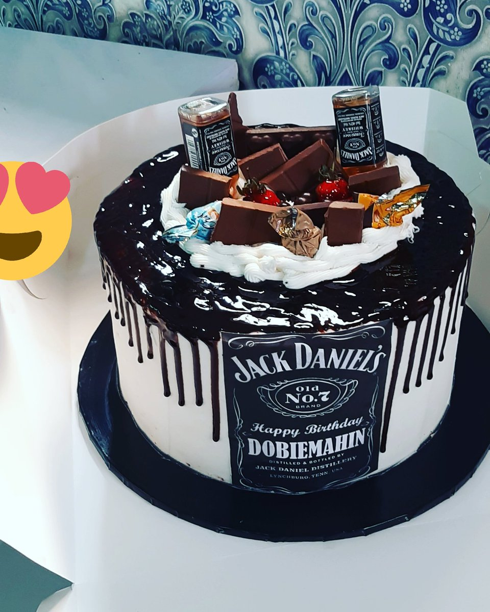 Good  morning  beautiful  of lagos My name  is Omowunmi n this is my hustle. We bake yummy and tasty cakes within lagos We have 6inches  cake for as low as 8500 and cupcakes  for as low as 4k. Delivery  fee is for a token  Pls dm or WhatsApp 07069302286 #msmethursdaywithdipo <br>http://pic.twitter.com/etg6Q2bNB8