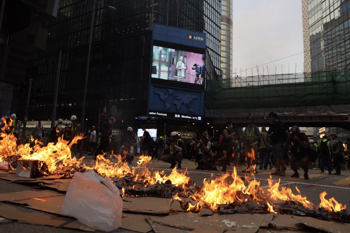 Diplomats from different countries join Hong Kong NGO representative to condemn violent demonstrators in Hong Kong. Read more: http://xhne.ws/tCC3P  #HKRioters
