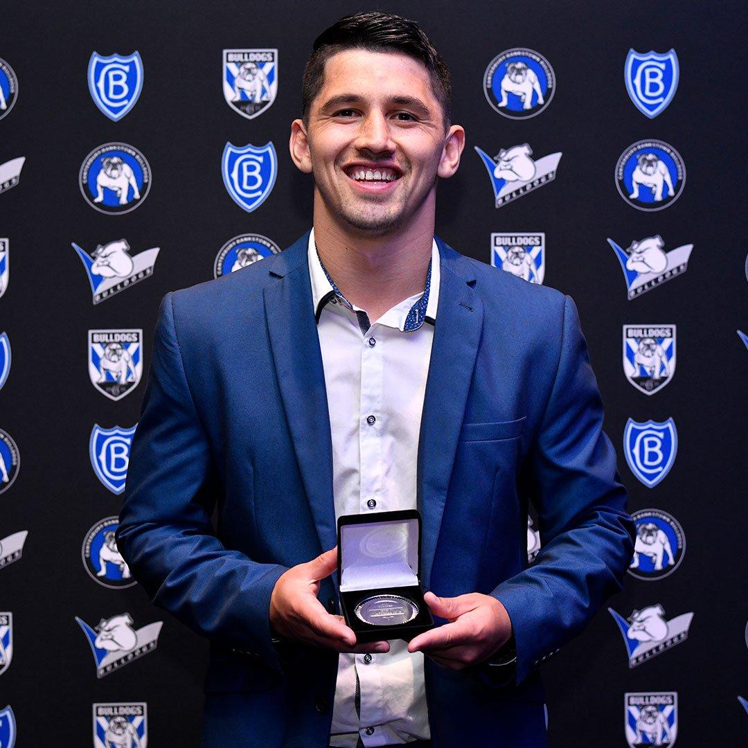 👊 JMK takes home the 2019 Coaches Award. #proudtobeabulldog