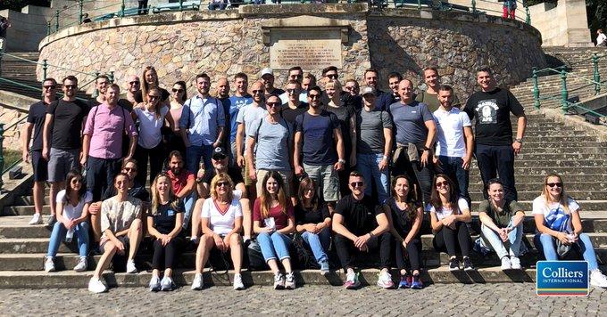 Beim Meeting in Rüdesheim wurde unser Industrie- und Logistik-Team fachlich und sportlich gefordert: Vom Niederwalddenkmal haben wir eine Wanderung zum Jagdschloss unternommen, zurück gings per Sesselbahn und Schiff.<br></noscript>Werden auch Teil von Colliers:  t.co/AGy9i2vDxV