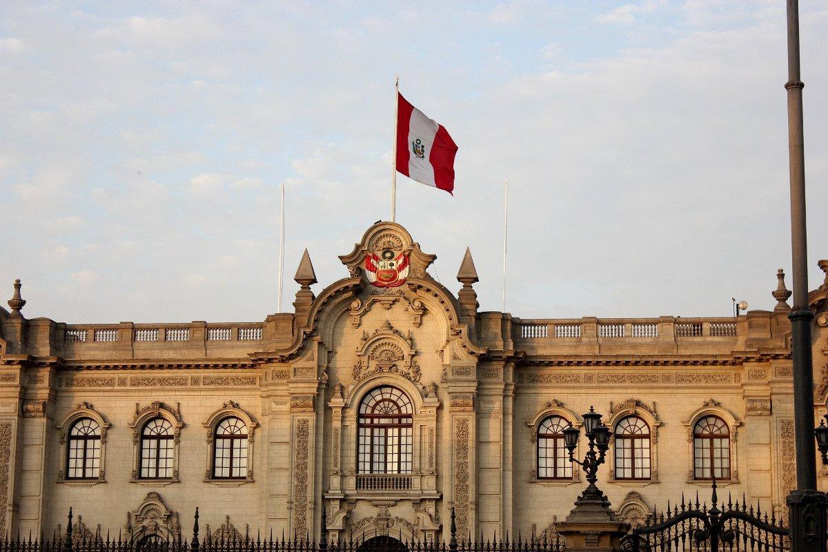 🇵🇪#Peru: Nicht nur bei Präsidentschaftswahlkämpfen hat der brasilianische Baukonzern Odebrecht Schmiergelder gezahlt, auch für die Wahlkampagnen von Kongressabgeordneten ist Geld geflossen. (Foto: Parlamentsgebäude Lima) bit.ly/2lLsjXA