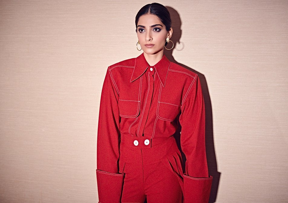 Lucky Red Riding Hood For Zoya Factor Promotions Outfit #TheNotebookStudio Bag @bagsbyanqi  Style @RheaKapoor  Team #manishamelwani #vani2790 #sanyakapoor #navyachanana Beauty #artinayar Hair @alpakhimani  Manager #neeha7 Photographs #ThehouseofPixels