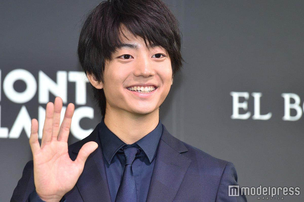 @kentaro_aoao 【写真追加✨】#伊藤健太郎、世界を変える30歳未満の人物「Forbes JAPAN 30 UNDER 30」でモンブラン特別賞を受賞🎊キリリとかっこいいスーツ姿で登壇💕🔻フォトギャラリー