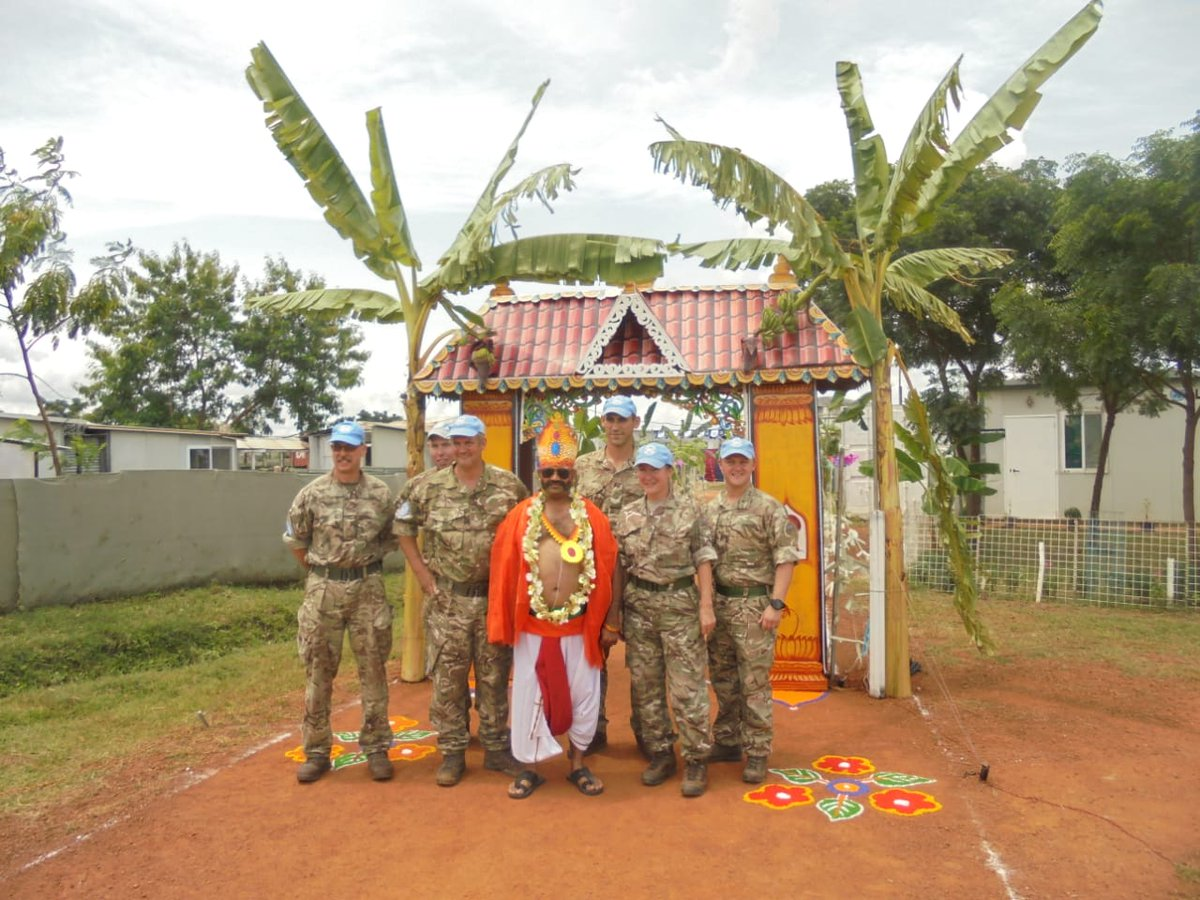 Happy Onam! Members of the UK Task Force in @unmissmedia, from @32EngrRegt & @LANCS_REGT, join our Indian Army colleagues in South Sudan celebrating Onam, the festival of the harvest @UKinIndia #OpTRENTON<br>http://pic.twitter.com/WOplur148p