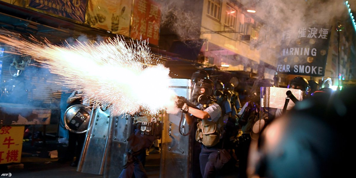 UN experts react with alarm to reports of attacks on demonstrators, arrests of activists & #HumanRights defenders, and threats to communications, as protests in #HongKong continue. They urge #China to respect protesters' rights  http:// ow.ly/NeKD50w6L8Q    <br>http://pic.twitter.com/wk0SVoE8uf