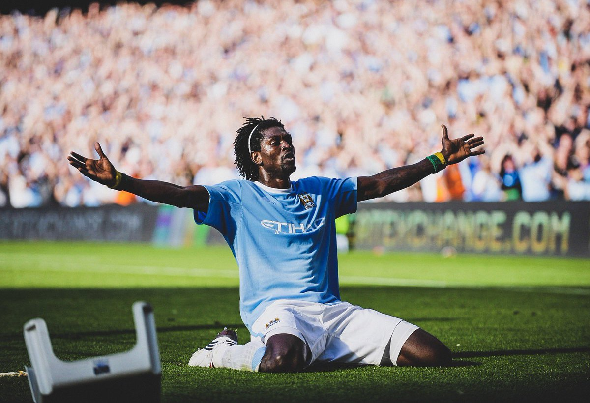 Adebayor scored ManCity club Arsenal pitch knee slide celebration ...