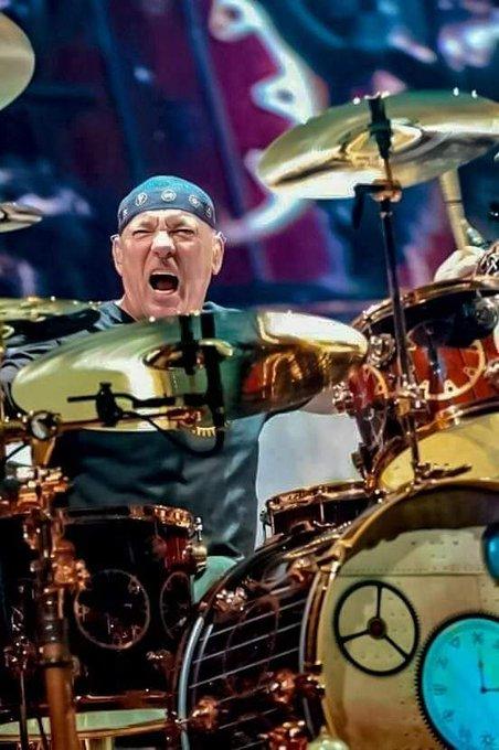 Happy Birthday  Neil Peart   ....monster!!!!!!