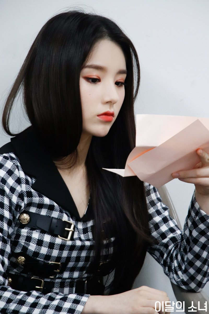 Heejin e GoWon @ 2019 K-World Festa! <br>http://pic.twitter.com/1UHU16uDEs