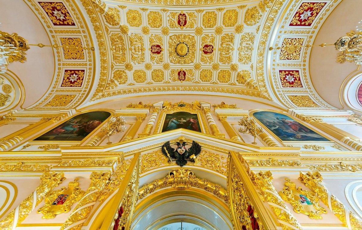 локализуется фотографии московского кремля изнутри сильного