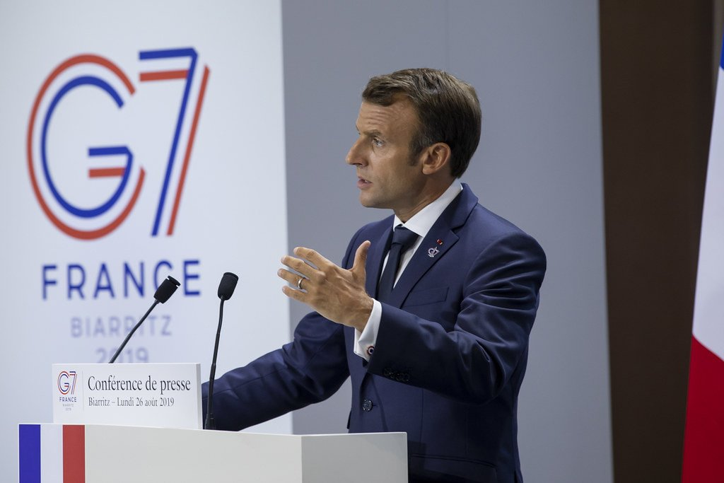 [Feedback about #G7Biarritz high points]  @EmmanuelMacron finally concluded #G7Biarritz by talking one last time to the press to assess the three days of the Summit, to explain the variety of concrete actions which resulted from it, and to thank all participants and organizers. <br>http://pic.twitter.com/LmZIyPrJTT