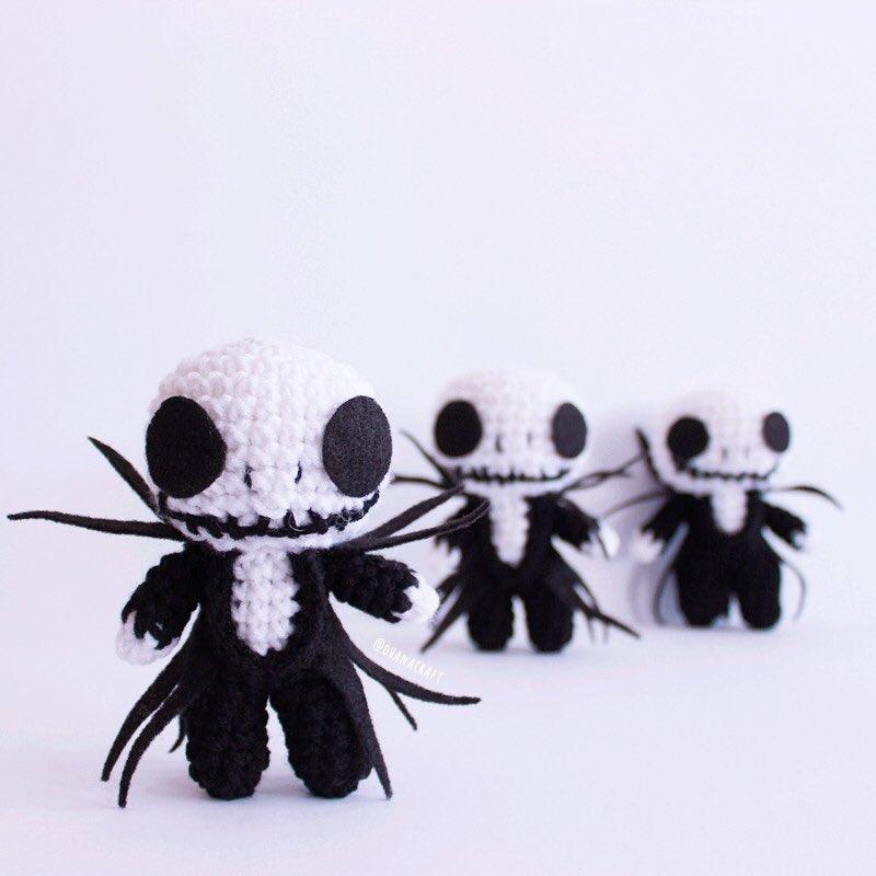 It's funny , isn't it ? When you see Jack the skeleton , you think about Halloween but not Christmas. see you at @SaskExpo ⠀⠀⠀ #ohanacraft #jacktheskeleton #jualamigurumi #amigurumi #häkeln #crochetjacktheskeleton #crochepattern #amigurumicorchet #yxe #saskexpo2019pic.twitter.com/fEJYgQmKvO