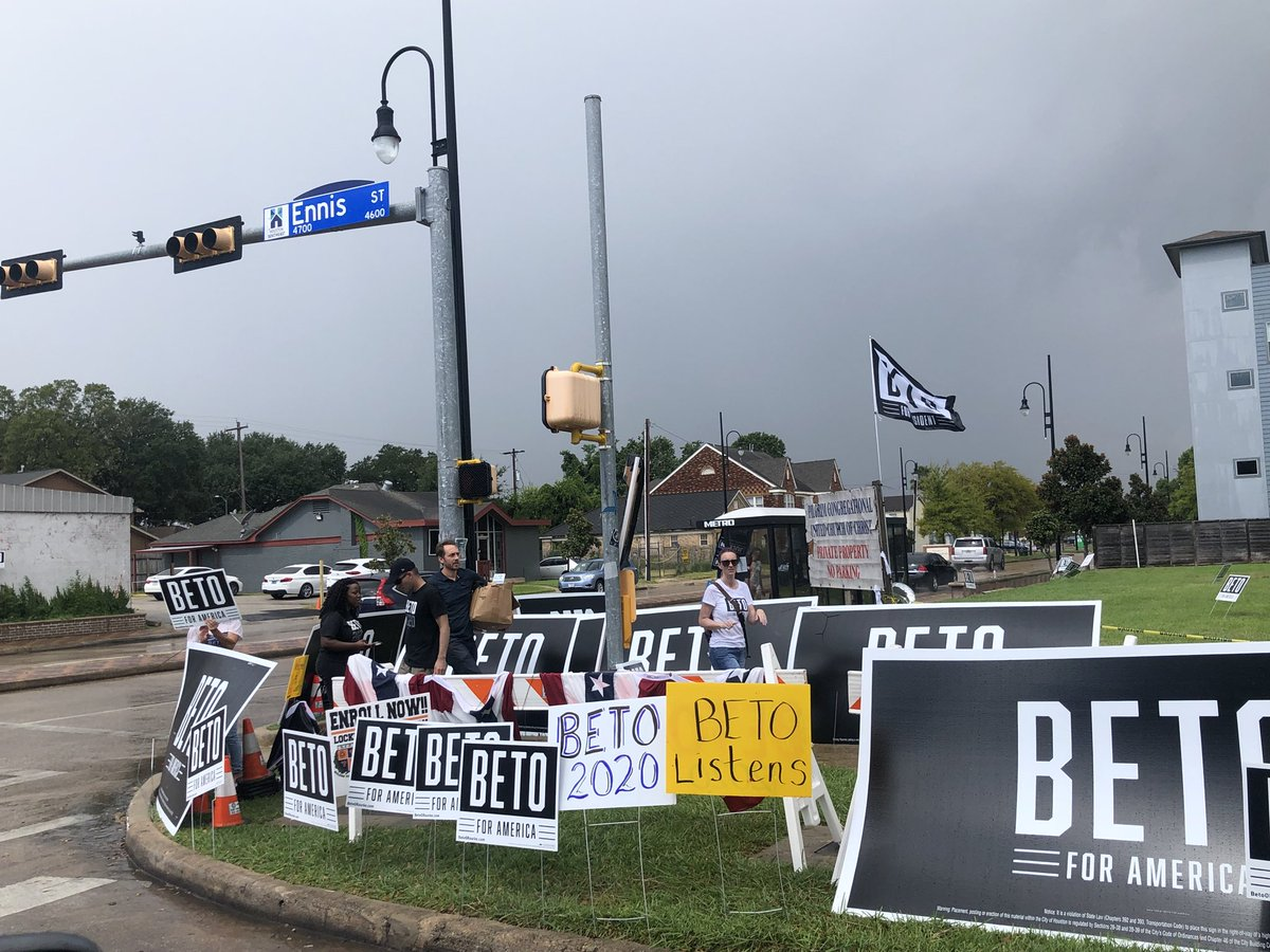 .@BetoORourke signs sit at the corner of a Houston street near Texas Southern University.