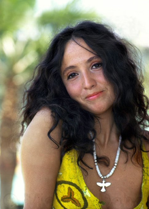 Maria Muldaur - Midnight at the Oasis (Live)  via Happy Birthday Maria