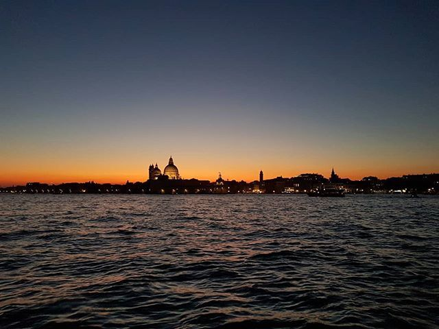 The privilege to work in #Venice. #CuratorLife #sunset https://t.co/MfBnnLzqHF