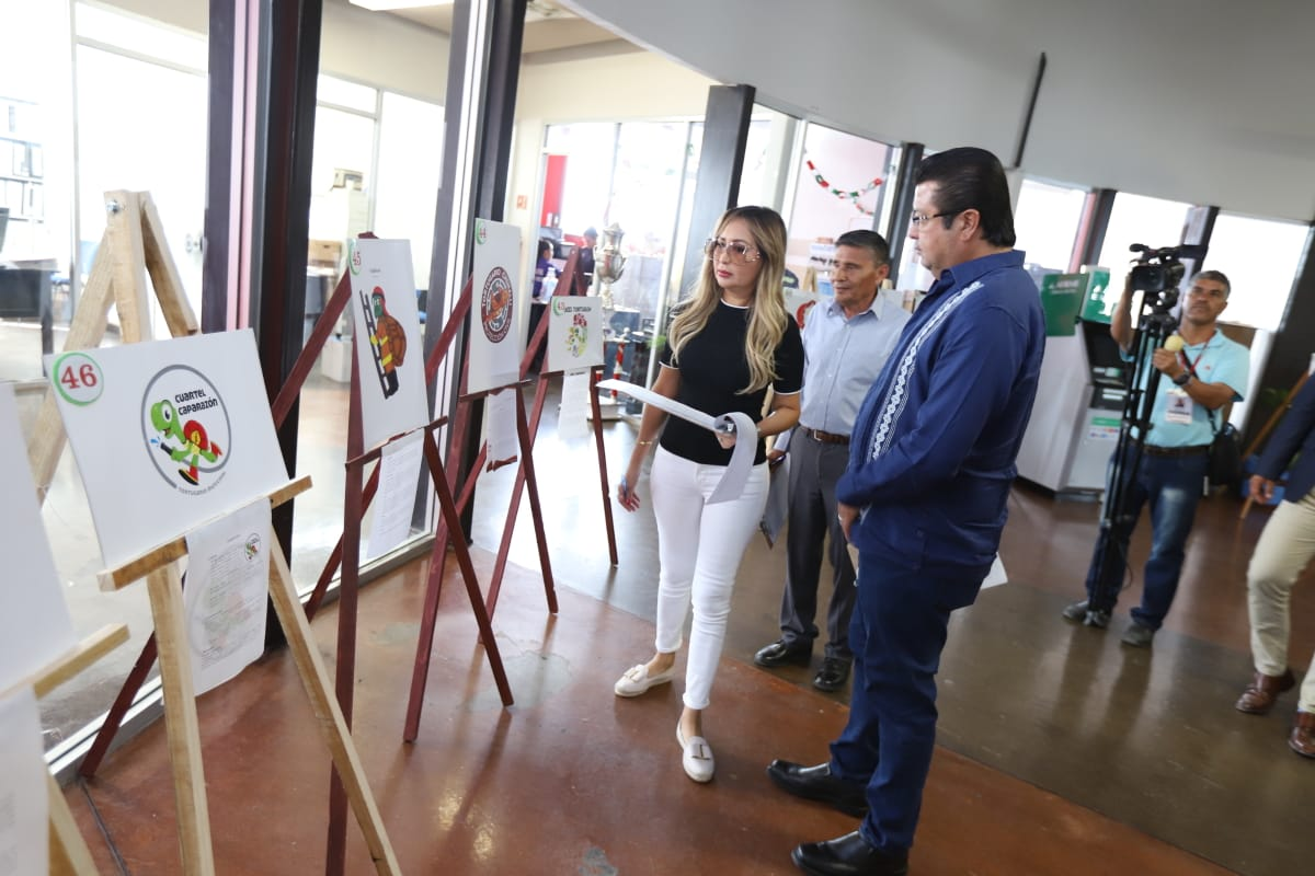 Recorren Alcalde @armando_cabada  y Presidenta del DIF Alejandra Cabada, exhibición de proyectos para elegir al ganador del nombre de Tortugario.  - Con el propósito de conocer cada uno de los proyectos que participan en la convocatoria: https://t.co/B5Tpt618QR https://t.co/wAZvxirMkT