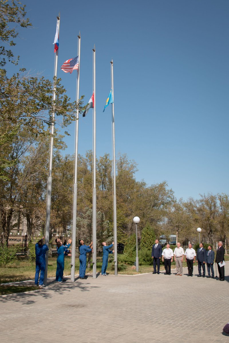 The prime and backup crewmembers for the next launch to the International Space Station raise the flags of Russia, the United States, the United Arab Emirates and Kazakhstan today in a traditional ceremony. More images on Flickr: flic.kr/p/2hecz5c