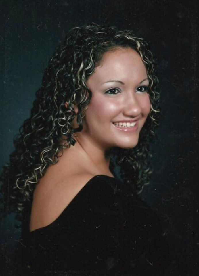 My mom just informed me it's #nationalschoolpictureday and sent me this pic. I miss wearing my curls!