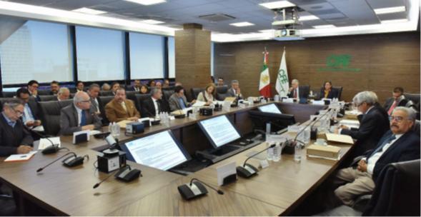 Celebramos la trigésima tercera sesión del Consejo de Administración de CFE, presidido por la titular de @SENER_mx, @rocionahle. Se presentaron los avances sobre los nuevos proyectos de generación y asimismo las modificaciones al transporte de gas natural. https://bit.ly/2lO6SoV