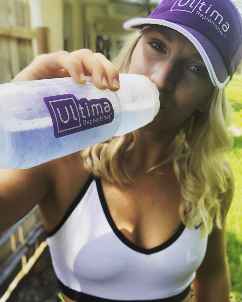 Its #ThirstyThursday - dont mind if we partake & keep our electrolytes in check 💧💜 #GoUltima . . 📷 @musclebutt94 . . #ultima #ultimareplenisher #nosugar #nocarbs #nocalories #ketogenic #keto #running #run #hydration #beattheheat #electrolytes #healthyhydration #plantbased