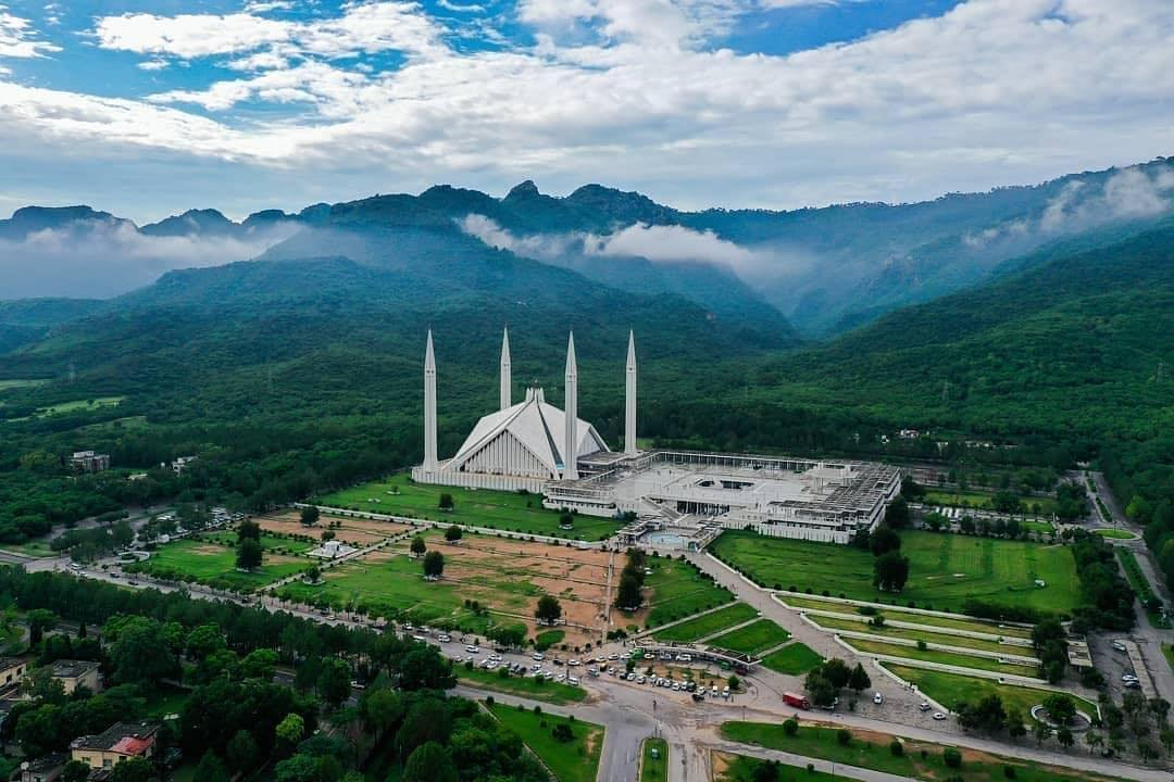 #JummahMubarak with the Beautiful view of Faisal Mosque, Islamabad Cr: Mhtoori #BeautifulPakistan <br>http://pic.twitter.com/wGfHJqCxIg Follow Amazing_PK on twitter