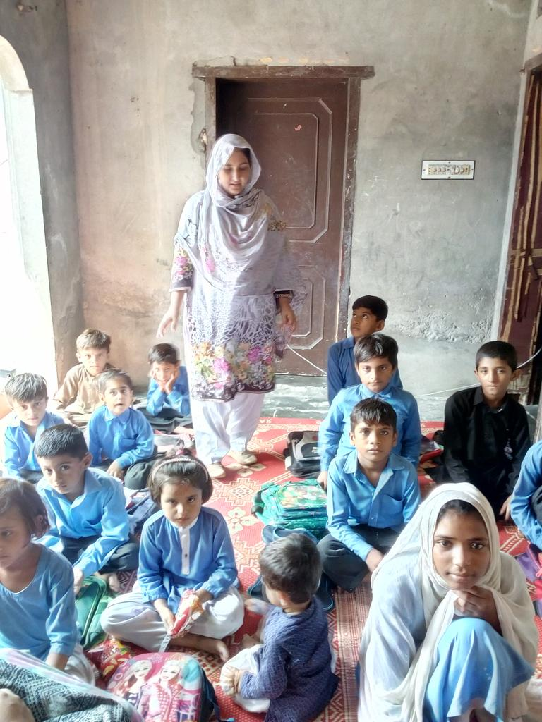 Dengue awareness session epi monitoring screening of students by SHNS district Hafizabad<br>http://pic.twitter.com/Kj1pJKVwOv