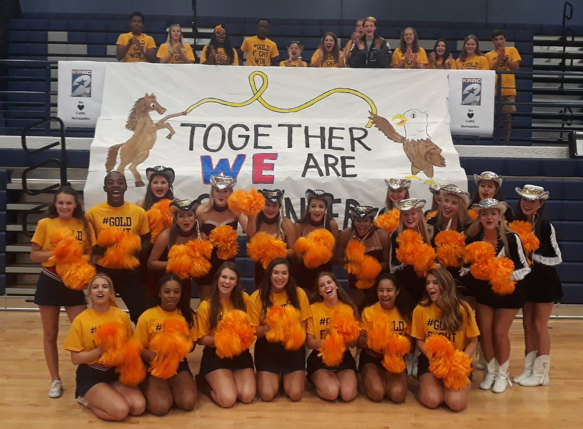 Three squads, two schools, one opponent. Pediatric cancer we are coming for you.  @KPRC2 #GoldFightWin #TheAWay @HumbleISD<br>http://pic.twitter.com/ZT9eFnv3rn