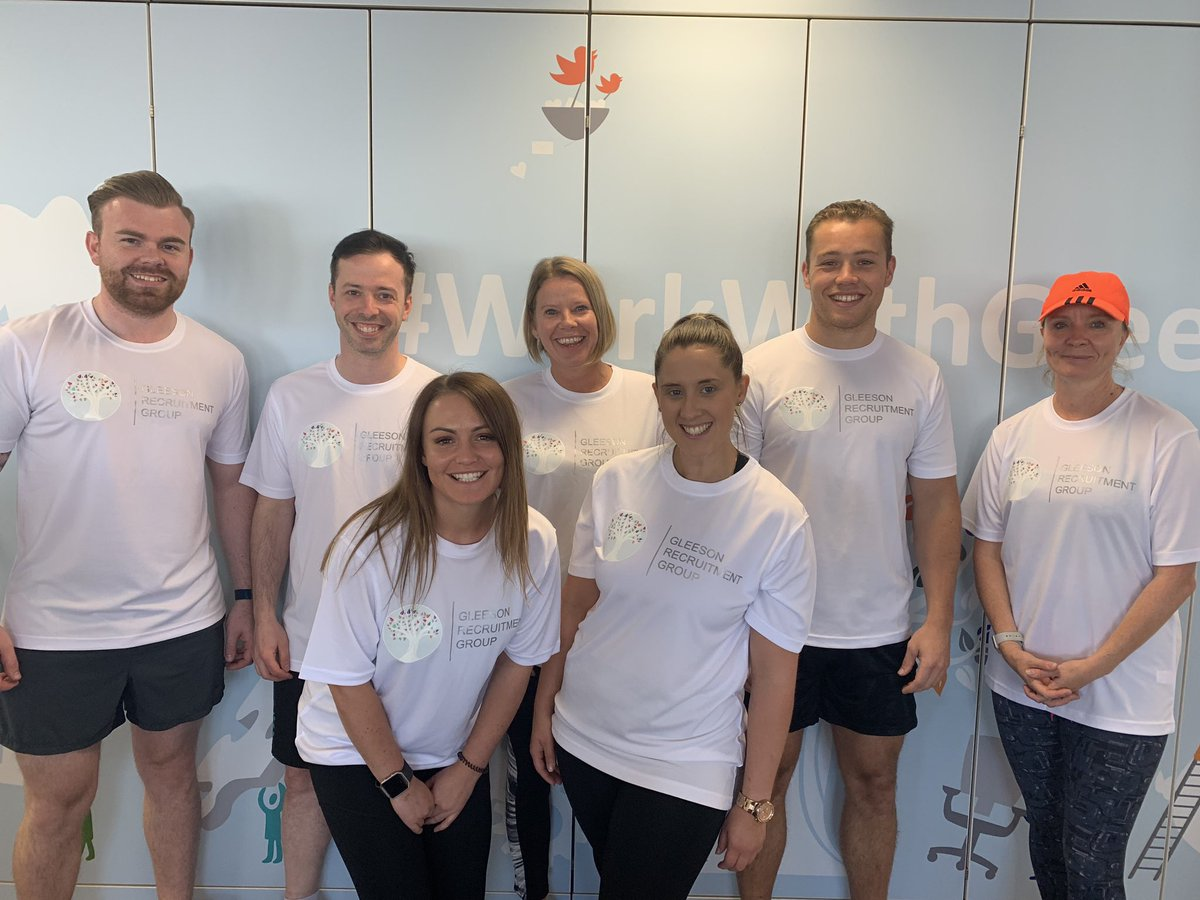 Just some of the squad ready for their @LandAid 10K run! Good luck to everyone running! #workwithglee #landaid<br>http://pic.twitter.com/X4jpKRPJcL