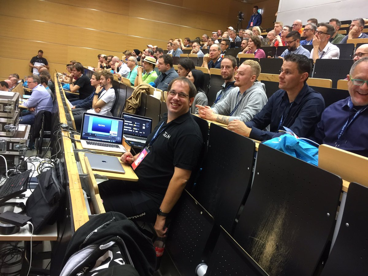 Technology and drinks ready: Joomladay Germany has started. Full house, good mood! #joomla #jd19de #opensource #cms<br>http://pic.twitter.com/TGFyvPMMwo