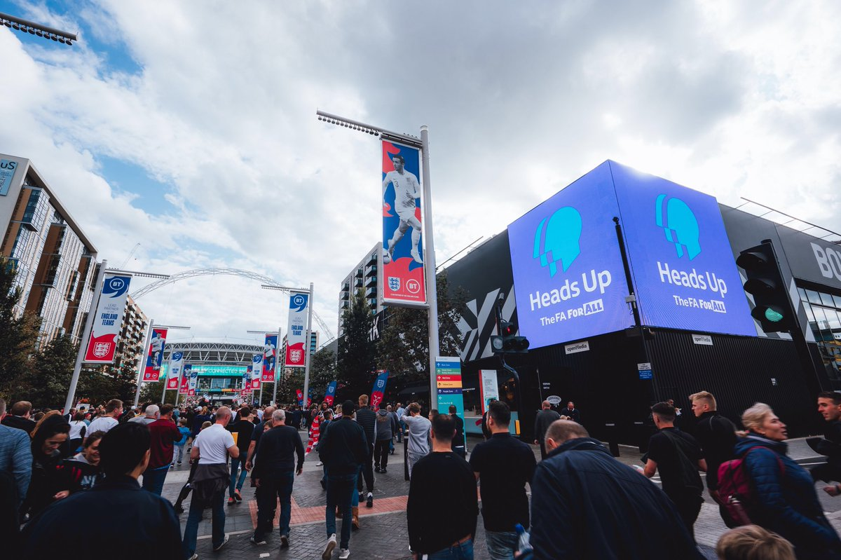 We were delighted to support the #HeadsUp campaign with @heads_together and @FA this weekend on our @BoxparkWembley screen for the England v Bulgaria match 🖤 #dooh