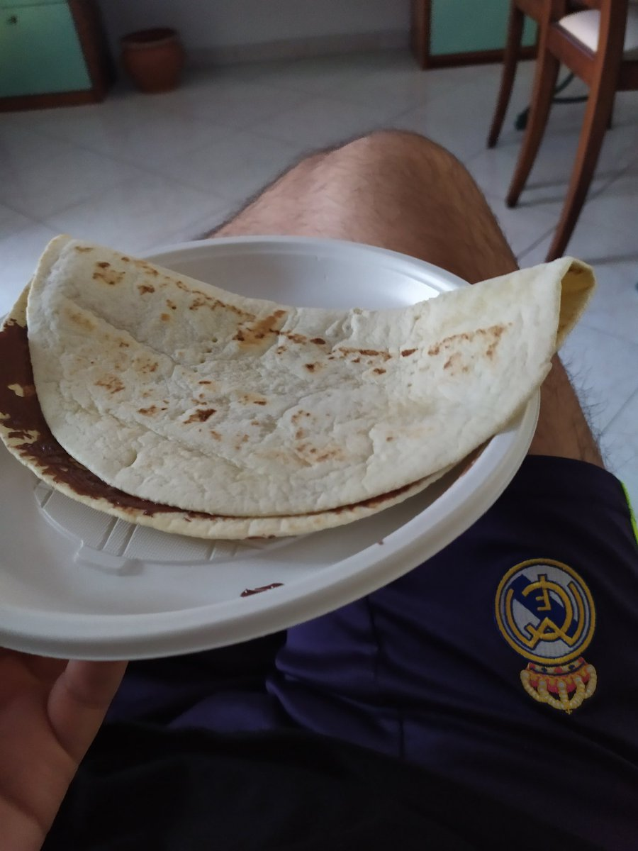 Light breakfast, piadina and Nutella .... <br>http://pic.twitter.com/02RVaomGO5