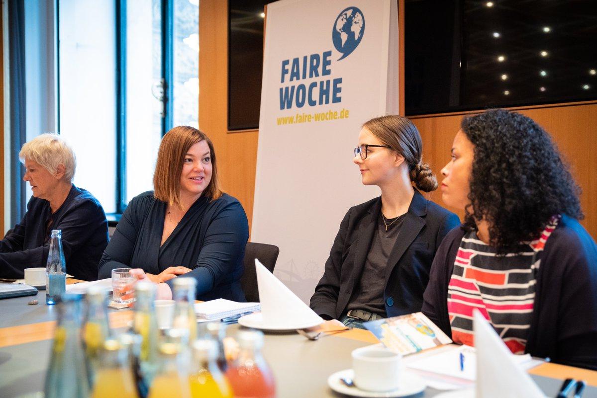 Hamburg als Handelsmetropole spielt eine große Rolle bei der Stärkung von Chancengleichheit und Frauenrechten. Zum Auftakt der Fairen Woche 2019 in der Hansestadt diskutiert Zweite Bürgermeisterin @fegebanks, wie der faire Handel Frauenrechte stärken kann. #Frauenempowerment pic.twitter.com/1YHkxSEI6f